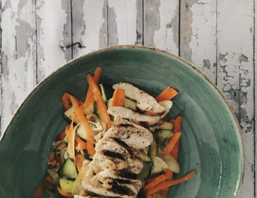 ensalada-thai-pollo-nutricionista-valencia-nutt-elisa-escorihuela