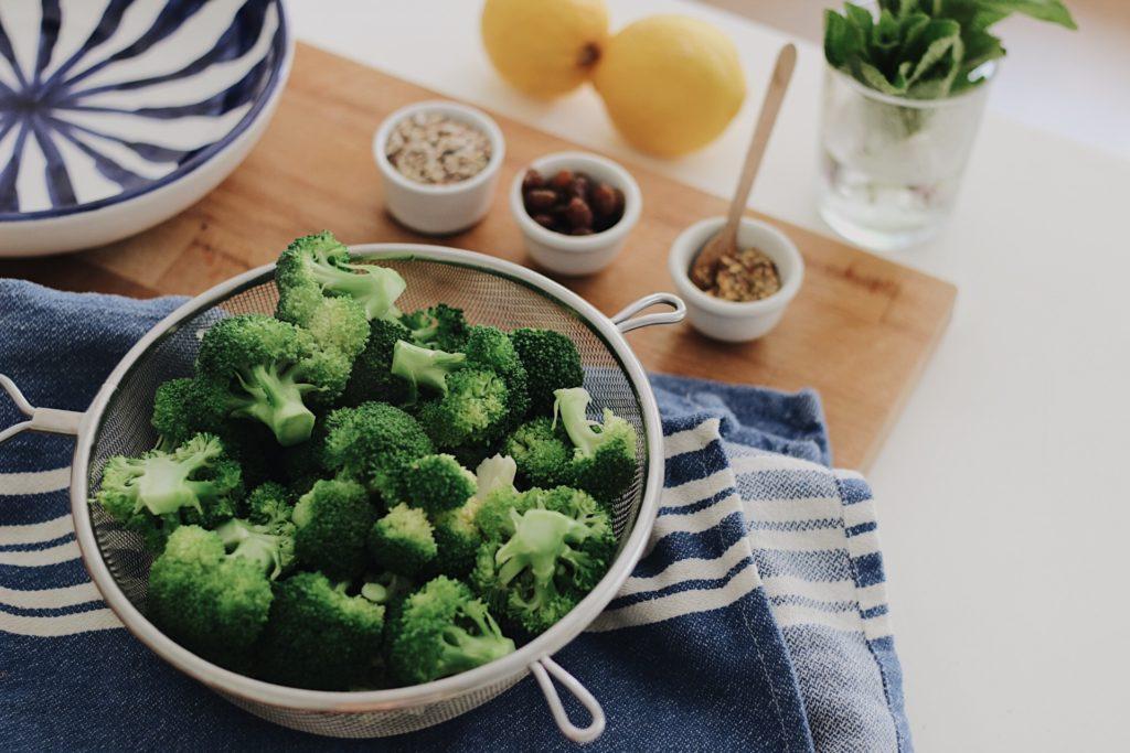 ensalada-de-brocoli-dietista-nutricionista-valencia-receta-saludable-nutt