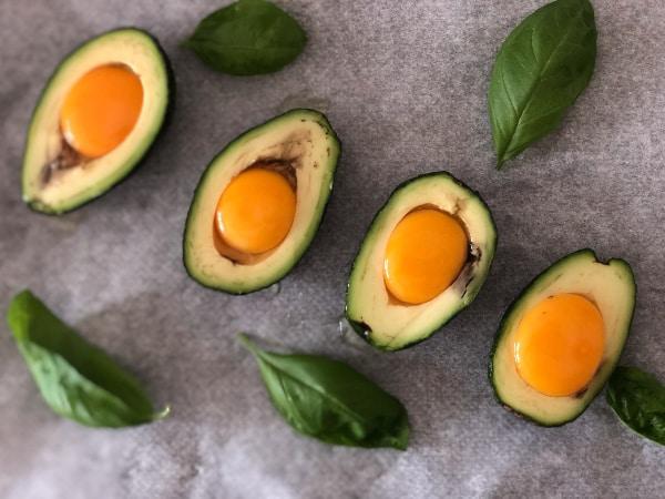 Aguacate con huevo ingredientes