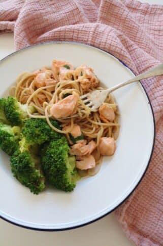 Ingredientes Tallarines salteados con salmon nutricionista Valencia Elisa Escorihuela