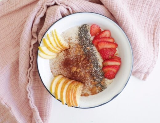 Porridge de manzana y fresas nutricionista Valencia Nutt Elisa Escorihuela