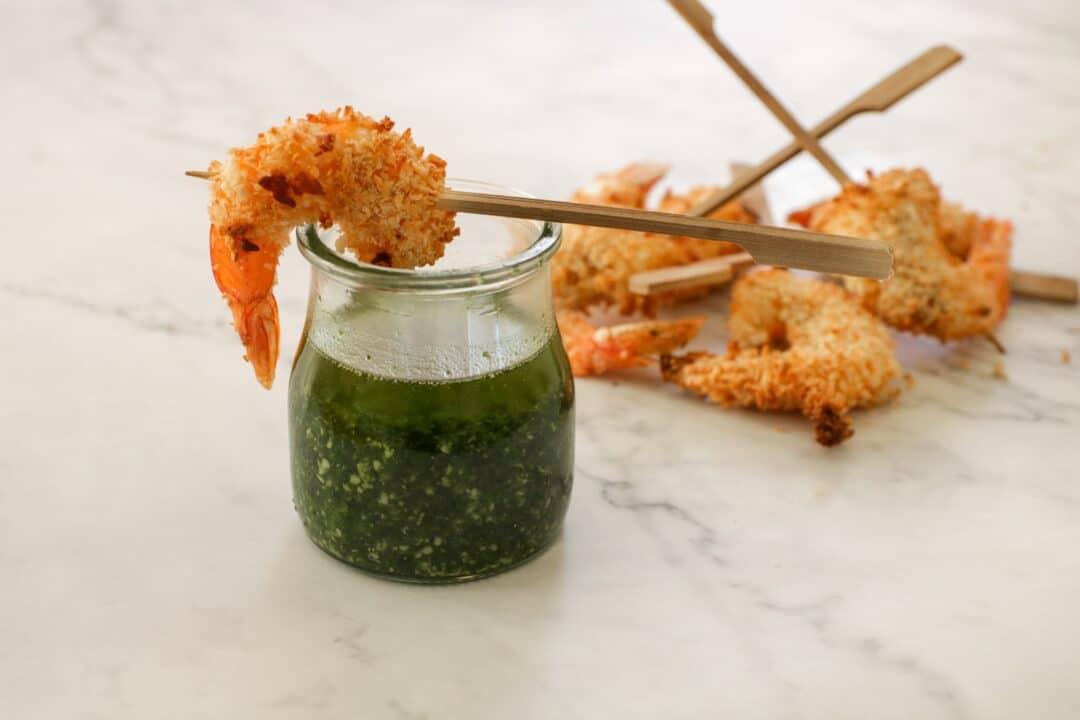 Langostinos crujientes con pesto de brócoli