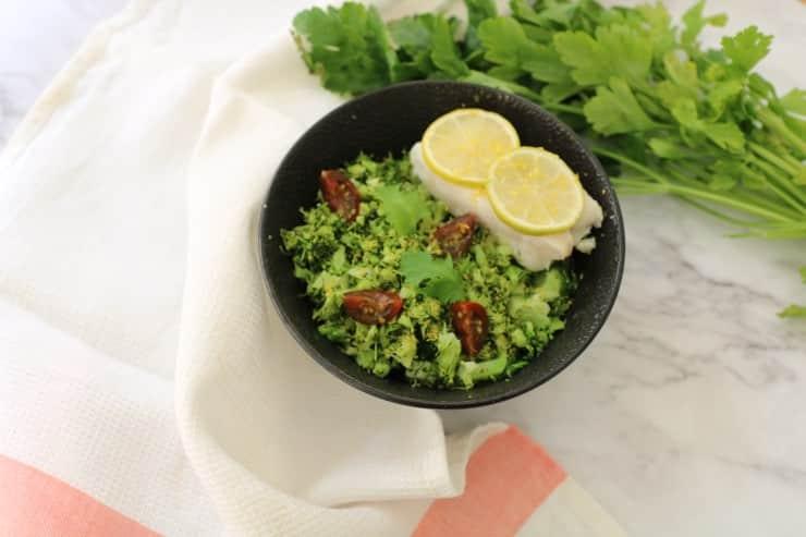 merluza con cous cous de brocoli al limón