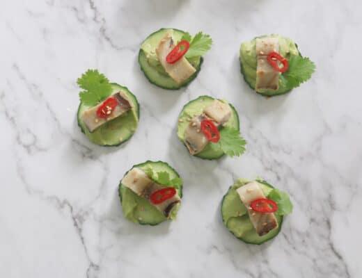 Snack de calabacín con sardina ahumada