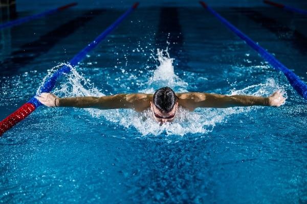 5 consejos para mejorar el rendimiento deportivo natación